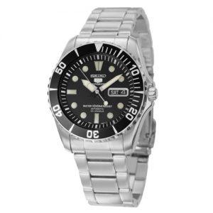 Đồng hồ đeo tay nam bằng thép không gỉ màu đen Seiko 5 SNZF17.